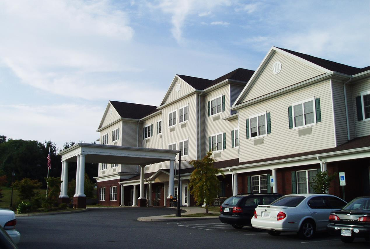 <strong>RoseWood Village at Greenbrier Drive<span><b>in</b>Assisted Living, Memory Care</span></strong><i>→</i>