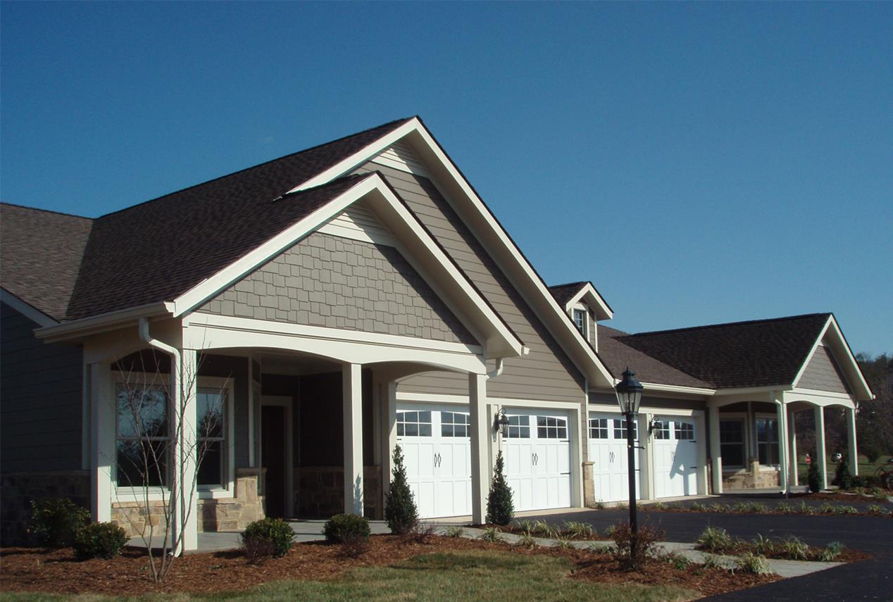 <strong>RoseWood Village at Wintergreen<span><b>in</b>Assisted Living, Independent Living</span></strong><i>→</i>